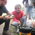 Koken op de Rocketstove PUUR Permacultuur